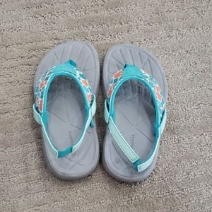 Columbia toddler sandals size 11